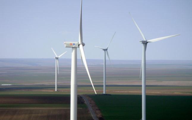 Dobrogea, fruntaşă la eoliene. Cel mai mare parc eolian din România