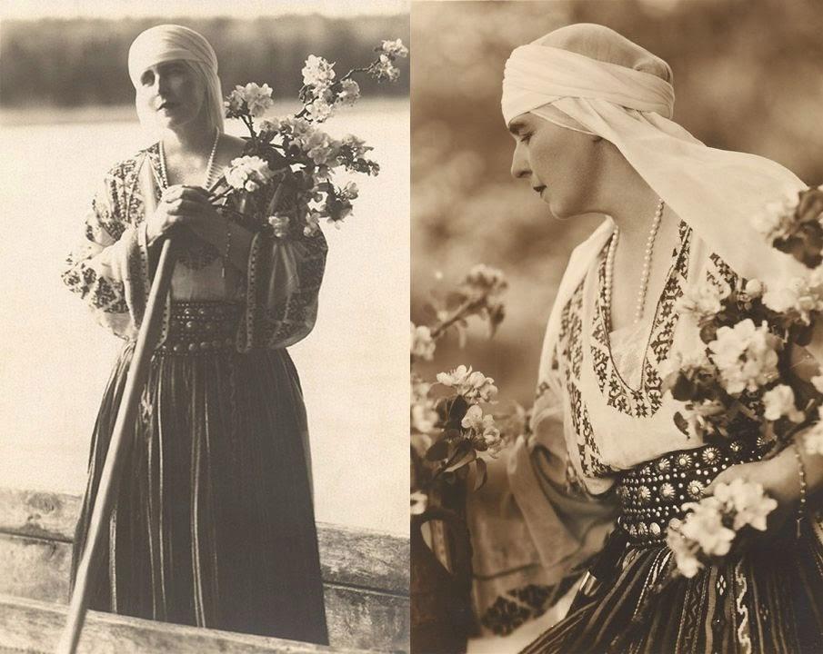 Imagini cu Regina Maria în tradiţionala ie românească!