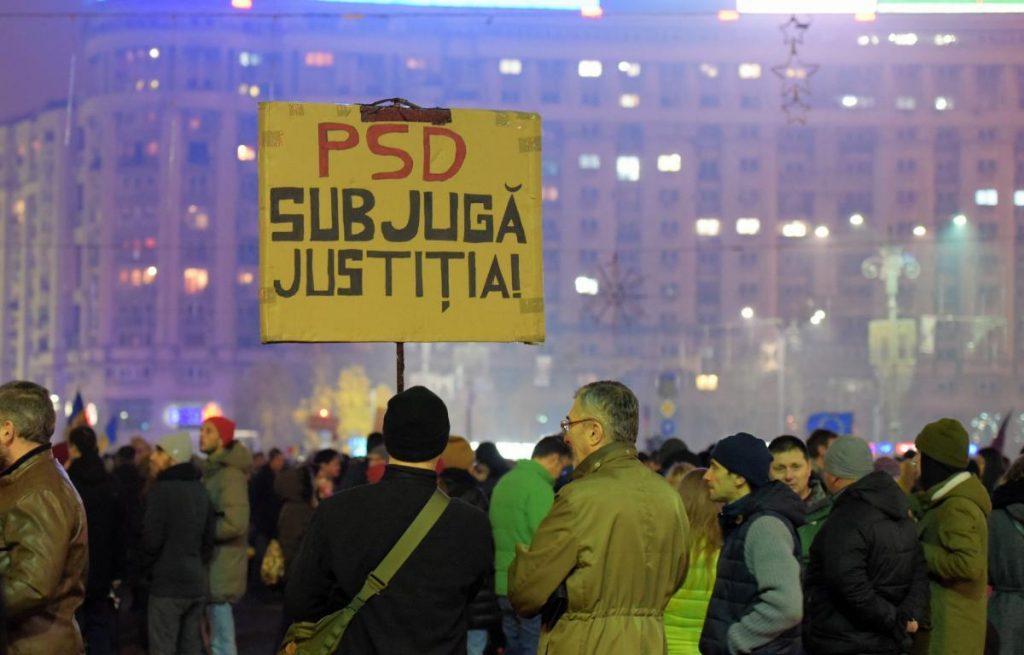 Modificările la legile justiției i-au scos în stradă și pe românii din DIASPORA Proteste, organizate la Londra, Paris, Amsterdam, Milano sau Oslo