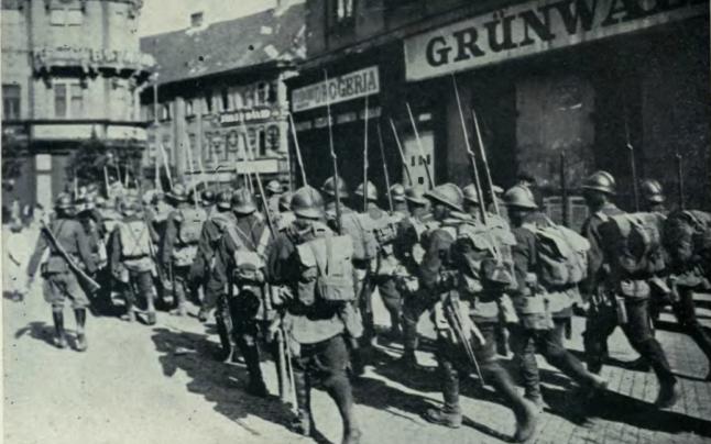 Soldaţi români la momentul intrării în Budapesta