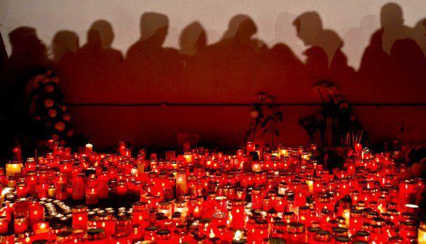 #Colectiv. Procesul care ar trebui să stabilească cine se face vinovat de moartea a 64 de oameni și rănirea a sute de persoane se reia de la zero.