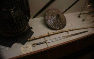 Sabia lui Ştefan cel Mare. Teribila armă mânuită de voievod era confecţionată din oţel special şi a fost furată de turci