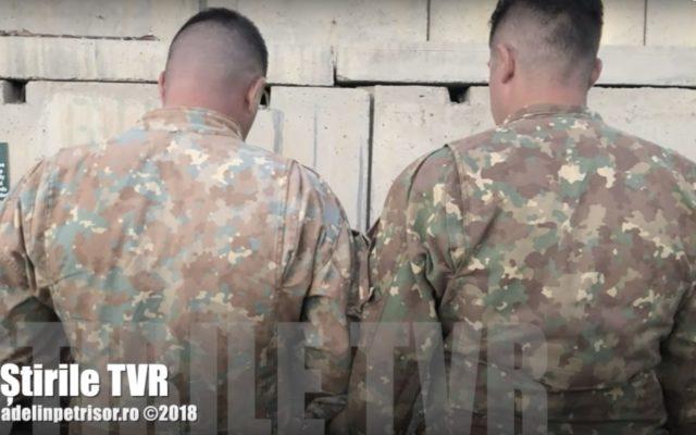 Uniformele militarilor români din Afganistan, cumpărate cu peste 30 de milioane de euro, se decolorează ușor, se scămoșează repede și intră la apă.
