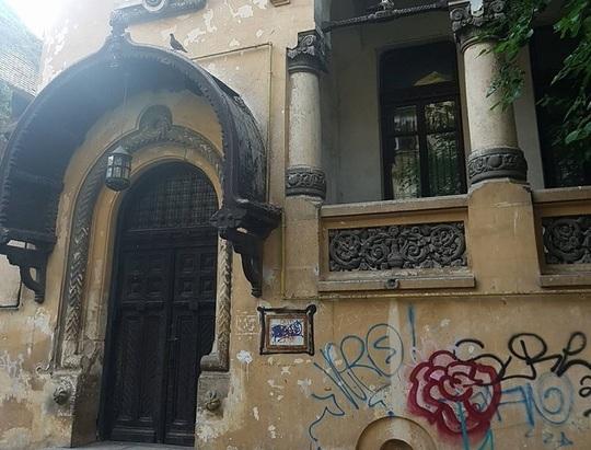 REVOLTĂTOR! Casa lui Ion I.C. Brătianu din centrul Capitalei, om-cheie în înfăptuirea Marii Uniri de la 1918, în stare critică