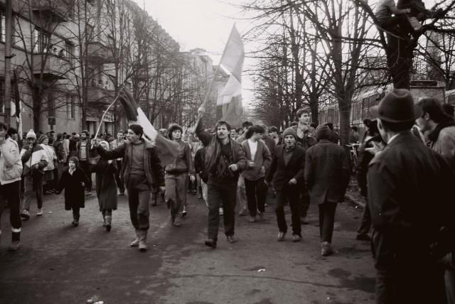16 decembrie 1989, Timişoara începea REVOLUŢIA