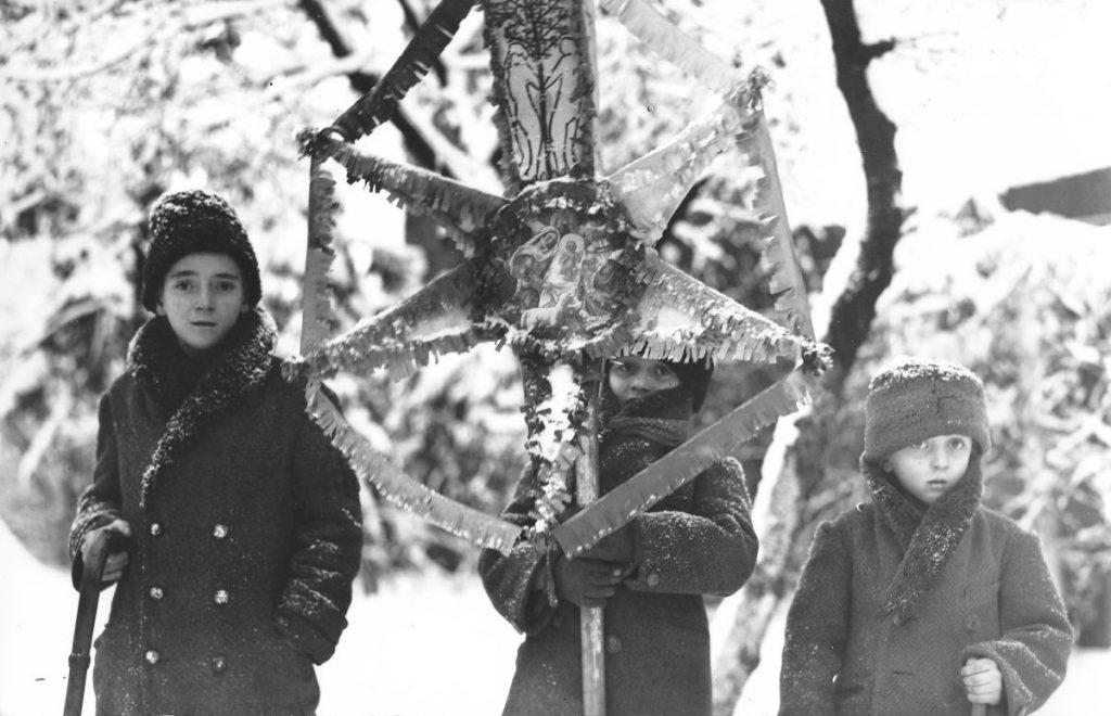 Tradiții de Crăciun Mersul cu Steaua