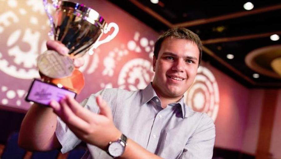 Elev român, campion mondial la Microsoft Word