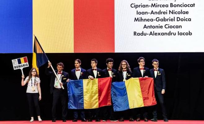 Echipa României a obținut o medalie de aur, una de argint și două de bronz, precum și două mențiuni de onoare la Olimpiada Internațională de Matematică de la Cluj-Napoca